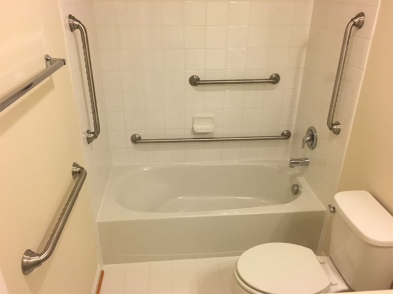 Bathtub Safety Bars For Seniors (Top 4 Updated For 2020)